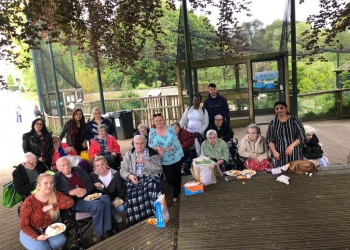 Residents enjoy trip to the Bristol Zoo